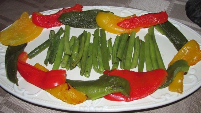 gegrilde sperziebonen en paprika's