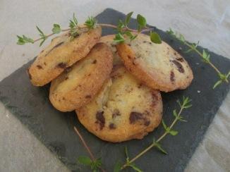koekjes met chocolade, tijm en zeezout
