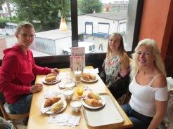 Ontbijten bij de HEMA in Hoogeveen