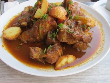 Geitenstoof/estofado de carne de cabra (Olivo corso, el Cotillo)