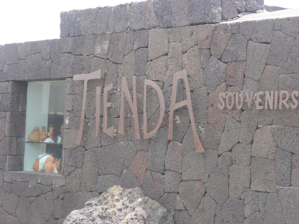 Een dag naar Lanzarote vanaf Fuerteventura. Nationaal park Timanfaya (Lanzarote)
