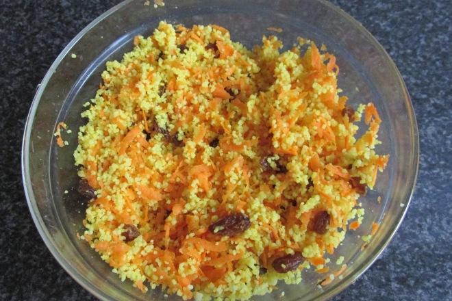 couscoussalade met rozijnen en wortel